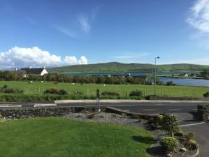 Tower View B&B, Bed and Breakfasts  Dingle - big - 32