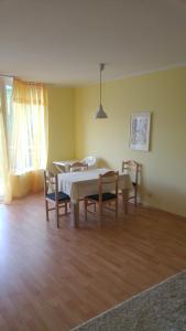 Apartments Oasis, Апартаменты  Равда - big - 10