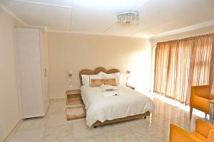 Etuna Guesthouse Court, Penzióny  Ongwediva - big - 18