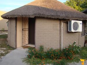 Etuna Guesthouse Court, Penzióny  Ongwediva - big - 21