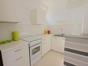Apartments Dario 1104, Apartmány  Fažana - big - 2
