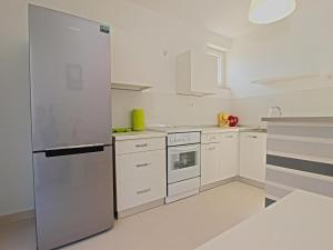 Apartments Dario 1104, Apartmány  Fažana - big - 19