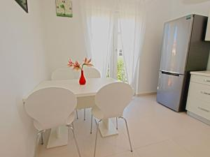 Apartments Dario 1104, Apartmány  Fažana - big - 3