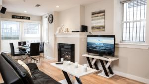 Modern Fully Furnished Apartments in Washington Downtown
