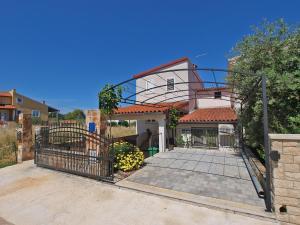 Apartments Stinjan 958