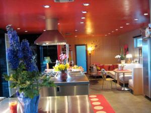 1104 - Mulholland Modern Villa, Villák  Los Angeles - big - 8