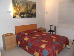 Apartamento Cala Montgo 11, Apartments  L'Escala - big - 8