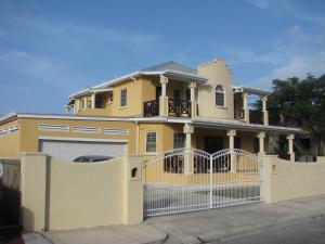 Apartments in Maya's Bajan Villas, Ferienwohnungen  Christ Church - big - 1