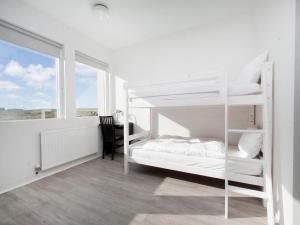 Kef Guesthouse at Grænásvegur, Bed & Breakfasts  Keflavík - big - 18