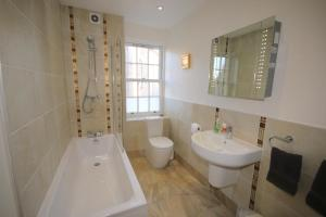 Potterrow - Edinburgh City Apartment, Apartmány  Edinburg - big - 24