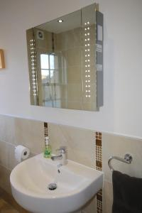 Potterrow - Edinburgh City Apartment, Apartmány  Edinburg - big - 11