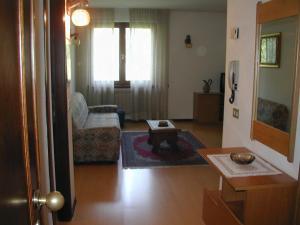 Casa Collini, Ferienwohnungen  Pinzolo - big - 36
