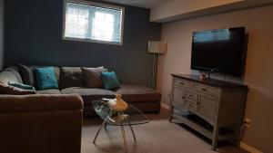 4 bedroom-house with Pool and Hot Tub Downtown, Apartmány  Gatineau - big - 33