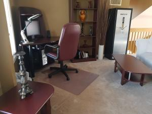 4 bedroom-house with Pool and Hot Tub Downtown, Apartmány  Gatineau - big - 38