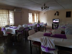 Busybee Lodge, Lodges  Chingola - big - 2