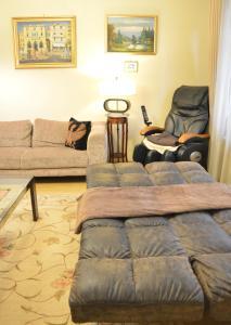 Classic Flat at Basilica, Apartments  Budapest - big - 13