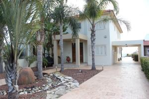 Sunny Villa Pervolia