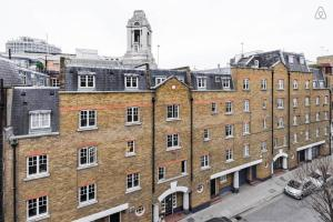 1 Bed Apartment Parker Mews