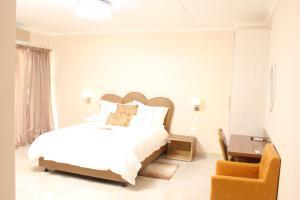 Etuna Guesthouse Court, Penzióny  Ongwediva - big - 11