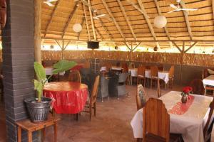 Etuna Guesthouse Court, Penzióny  Ongwediva - big - 23