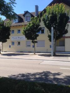Pension Wagner, Bed and Breakfasts  Ingolstadt - big - 39