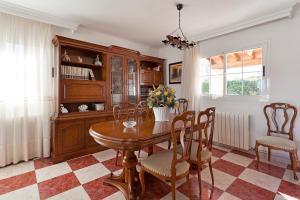 Llebeig-Palmeras, Dovolenkové domy  Urbanicacion ses palmeres - big - 13