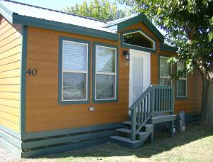 Pacific City Camping Resort Cottage 3, Комплексы для отдыха с коттеджами/бунгало  Cloverdale - big - 1