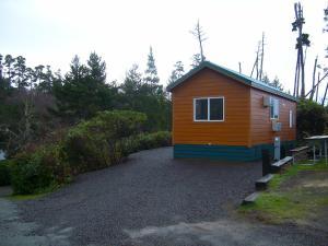 Pacific City Camping Resort Cottage 3, Комплексы для отдыха с коттеджами/бунгало  Cloverdale - big - 4