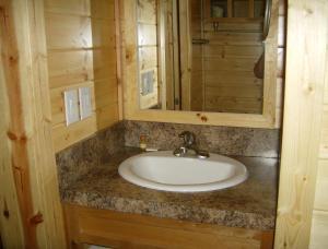 Pacific City Camping Resort Cottage 3, Комплексы для отдыха с коттеджами/бунгало  Cloverdale - big - 10