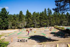 Pacific City Camping Resort Cottage 3, Комплексы для отдыха с коттеджами/бунгало  Cloverdale - big - 18