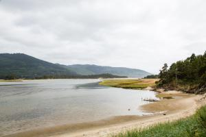 Pacific City Camping Resort Cabin 5, Комплексы для отдыха с коттеджами/бунгало  Cloverdale - big - 14