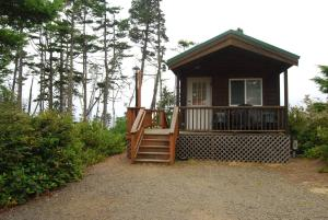 Pacific City Camping Resort Cabin 6, Ferienparks  Cloverdale - big - 1