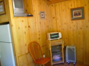 Pacific City Camping Resort Cabin 6, Holiday parks  Cloverdale - big - 4