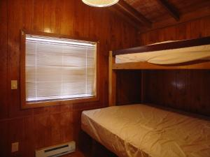 Pacific City Camping Resort Cabin 6, Ferienparks  Cloverdale - big - 7