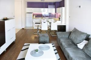 Purple Apartment, Ferienwohnungen  Novi Sad - big - 13