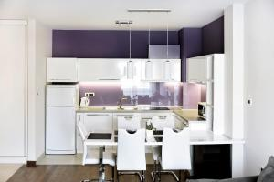 Purple Apartment, Ferienwohnungen  Novi Sad - big - 11