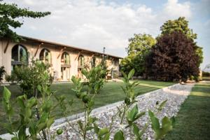 Agriturismo Corte Ruffoni, Farm stays  Zevio - big - 68