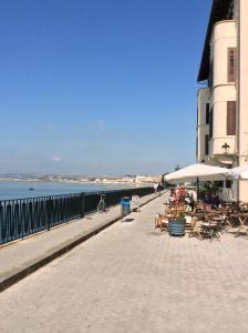 Appartamento Dammuso Ortigia, Ferienwohnungen  Syrakus - big - 59