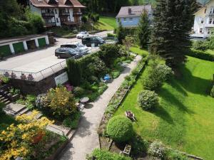Hotel Fidelitas, Penziony  Bad Herrenalb - big - 24