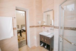 Hotel Inju, Penziony – hostince  Taraz - big - 3
