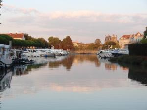 Cité Park, Appartamenti  Carcassonne - big - 14