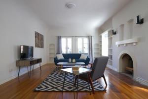 Three-Bedroom Apartment on Orange Street