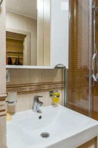 Lux Apartment in Khamovniki, Ferienwohnungen  Moskau - big - 3