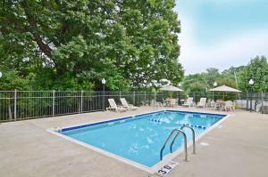 Best Western Riverside Inn, Отели  Danville - big - 30