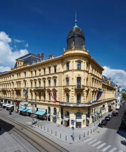 Palais Apartment 4
