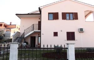 Apartment Radmani