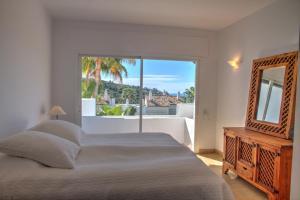 Penthouse with Sea Views, Appartamenti  Benahavís - big - 17