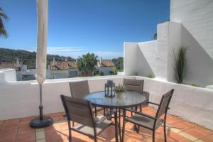 Penthouse with Sea Views, Appartamenti  Benahavís - big - 28