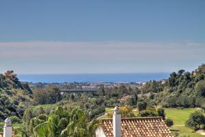 Penthouse with Sea Views, Appartamenti  Benahavís - big - 37