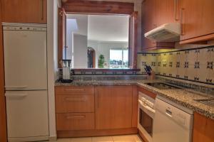 Penthouse with Sea Views, Appartamenti  Benahavís - big - 42